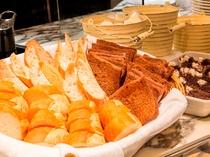 朝食ビュッフェ(パン)Buffet (Breads)01