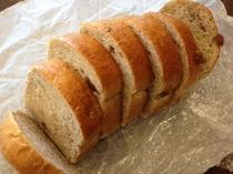 葡萄とクルミ全粒粉パン