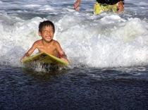 子供達の夏:SURF