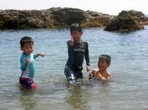 瀬戸浜にて海水浴