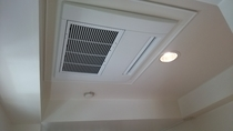 エアコンのお掃除お手入れも定期的に行います、