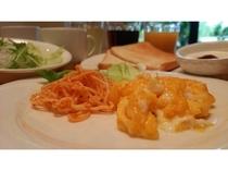 朝食の洋食(日替わりのおかず)スクランブル
