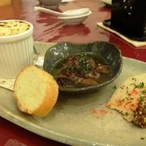 料理_少量ずつ、たくさんのお料理が味わえます (3)