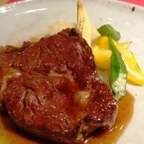 料理_夕食にはガッツリお肉!