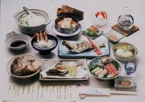 夕食の一例です。季節の釜飯から自家製フローズンヨーグルトまで11品です。