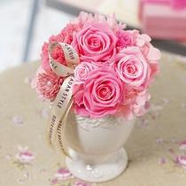 大切な人への感謝の気持ち ※花束やフラワーアレンジメントのご注文は当館までお問い合わせ下さい。