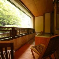 【別邸そらの庭】≪山瀬・有明≫四季の移ろいを映し出す客室露天風呂(写真は「有明」)
