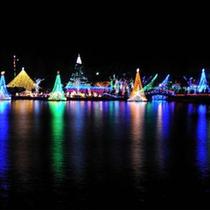 湖畔を煌びやかに演出する12月の「榛名湖イルミネーション」