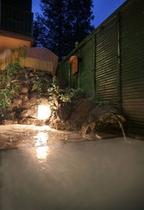 『旅館たむら』の温泉[永楽の湯]の源泉は、数ある草津温泉の源泉の中でも効能名高い源泉【地蔵の湯】を使