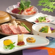 【料理 一例(春)】 季節感あふれる手作り料理で、心をこめておもてなしいたします。