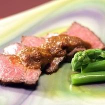 旅館たむらの和会席は、旬の山幸を中心とした上州の伝統料理をご用意いたします。