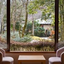 *【部屋(東館和室)】夫婦やカップルに◎庭園風景を眺めながらお寛ぎ下さい。