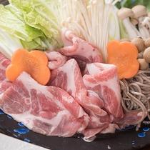 *【夕食(豚ちり鍋)】豚肉から出る出汁がとっても美味しい♪あったか豚ちり鍋♪