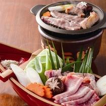 *【 都城焼き肉三昧舟盛り御膳 】お肉は都城産、お米も野菜も自家製です。