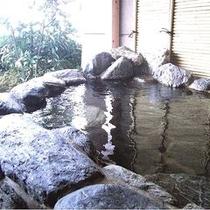 鶯ノ聲のお部屋のプライベート露天風呂