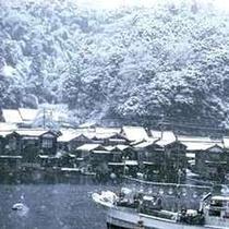 冬の「伊根の舟屋」