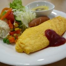 朝食:(オムレツ・目玉焼に変更可能)