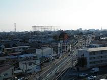 当ホテルから国道4号線→宇都宮市外を望む。宇都宮駅まではお車で20分ほどです。