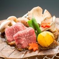信州和牛と茸の朴葉味噌焼き
