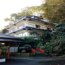 【仙景】自然に囲まれた建物