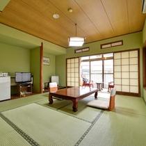 *和室10畳(客室一例)/畳の香りがほのかに薫るお部屋で、団欒のひと時をお過ごし下さい。