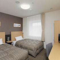 ◆ツインエコノミー◆広さ18平米◆ベッド幅123cm×2台◆小学生以下のお子様の添い寝も無料です♪