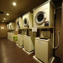 ◇充実のコインランドリーコーナー≪宿泊者専用、無料洗濯洗剤あり≫