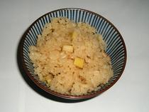 *料理一例【春】/薫り豊かなタケノコご飯