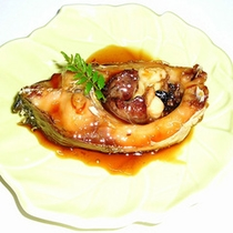 *料理一例/当館独自の方法で短時間で煮込んで味をしみ込ませた「鯉のうま煮」