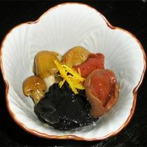*料理一例【秋】/秋といえばきのこ!周辺の山で採れた新鮮な素材を使ってお料理します。