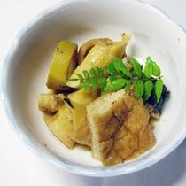 *料理一例【春】/春の訪れを感じさせる、タケノコを使ったお料理。