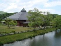 軽井沢大賀ホール(音楽堂)宿から車7分