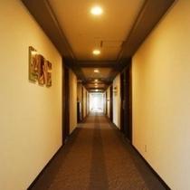 コンフォートフロアの廊下
