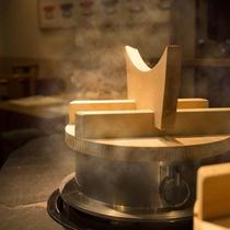 おいしいご飯は釜戸で炊いています