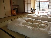 離れ形式和室10畳の客室