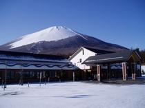 冬の温泉館