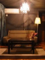 1階 ソファー