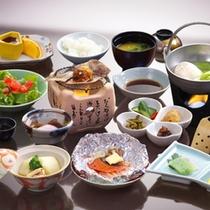 【ご朝食は身体に優しい和食膳】炊きたてのご飯をお召し上がりください