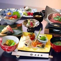 【春の会席料理】季節の素材をつかった料理が並びます(一例)