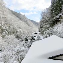 【冬】貴船の厳しい冬はあたりを真っ白に変えます。