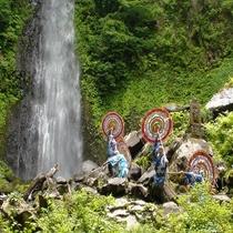 日本の滝百選に選定された『雨滝』