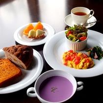 *朝食【洋食】一例/和食・洋食を日替わりでご提供。洋食は手作りパンが好評!