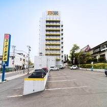 駐車場(建物裏)
