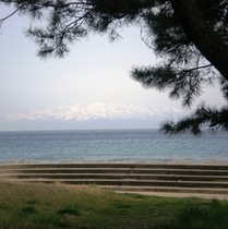 海岸へ立山