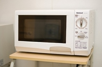 【電子レンジ】2F自販機コーナーに設置 お夜食の温めにご利用くださいませ