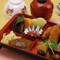 ≪お子様食≫お子様のお食事に彩り豊かな旬材を盛み、好評をいただいております♪