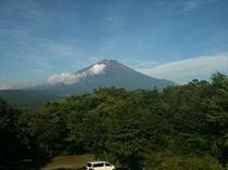 ≪施設≫3F〜展望台からの初夏の富士山