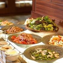 ご夕食イメージ:知床グランドホテル北こぶしでブッフェ♪
