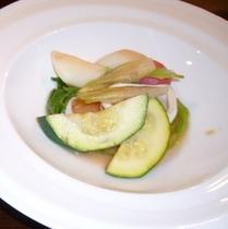 【ディナー】オーナー特製の温野菜のサラダ