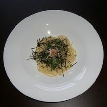 【ディナー】和風カルボナーラ/こだわりの卵を使用した、チーズの入っていないカルボナーラ